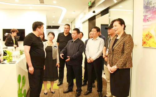 湖北省委常委、宣传部部长王艳玲一行考察澳门威尼斯人网址
